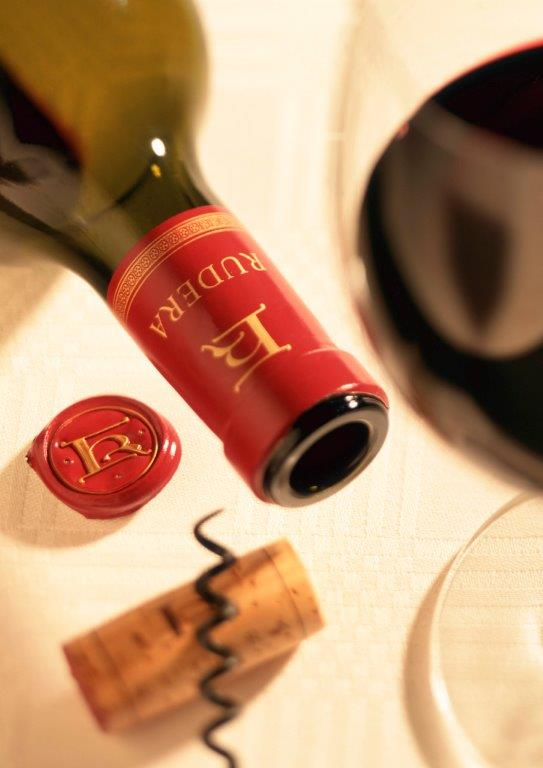 Rudera Wines - Red wines Rudera is a boutique wine producer specialising in Chenin Blanc, Syrah & Cab Sauvignon since 1999